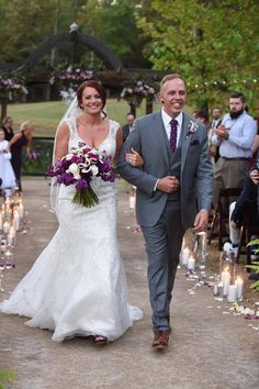 #outdoorwedding #purplewedding #castlewedding #offbeatwedding #thesterlingcastle #alabamaweddingvenue #southernwedding