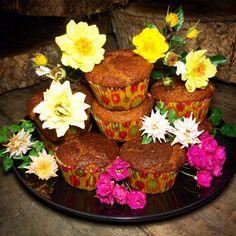 Receita de Muffin saudável de Abacaxi com Coco super saboroso. É macio, cheio de fibras, sem glúten e sem lactose!