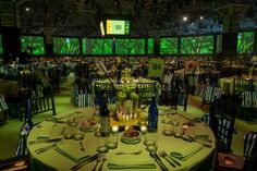 <p> The dining room's perimeter was lined with 20 movie-theater-size screens.</p>