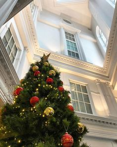 Gather with your friends and family to celebrate Christmas at The Davenport.   #interiordesign #boutiquehotel #christmas #celebrate #atrium #architecture #georgian #building #culture #hospitality #thedavenport #thedavenporthotel #thedavenportdublin