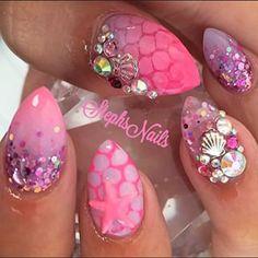 ❤orange mermaid nails, so cute! Cruise Nails, Vacation Nails, Gorgeous Nails, Pretty Nails, Swag Nails, My Nails, Manicure Gel, Mermaid Nail Art, Beach Nails