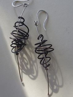 These lightweight and modern earrings are made from sterling silver and oxidized copper; with sterling silver ear wire. Earrings measure approximately 2 long but are made to order so can be customized to be longer or shorter Contemporary Jewellery, Modern Jewelry, Metal Jewelry, Jewelry Art, Jewelry Design, Jewelry Ideas, Fashion Jewelry, Custom Earrings, Diy Earrings