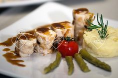 receta Thermomix TM5 TM31 pechuga de pavo rellena de verduras y salsa de pedro Ximenes al vapor Recipes With Chicken, Vegetables, Celebrations, Cook