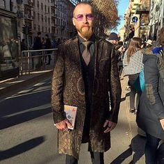Milano- outside the @dolcegabbana show feeling pretty happy in my new @etro_official coat RG @gqmexico