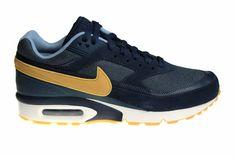 size 40 62731 d33ce Nike Air Max BW Premium schoenen voor heren. Uitgebracht in een aparte  kleurstelling blauw