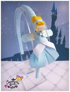 Cinderella Inspired Ribbon Sculpture Headband. por creationslove