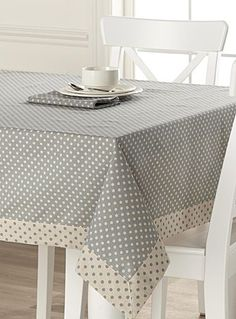 table cloth Tablecloths: Shop for Table Linens Online in Canada Sewing Hacks, Sewing Crafts, Sewing Projects, Polka Dot Tablecloth, Tablecloth Ideas, Rico Design, Deco Table, Mug Rugs, Table Toppers