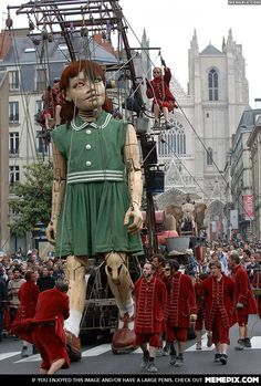 Giant mechanical marionette operated by the Royal de Luxe street theater company