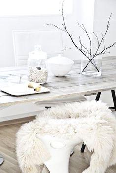 Tisch Weiß, Skandinavische Wohnräume, Skandinavisches Design, Küche  Esszimmer, Wohnraum, Inneneinrichtung,