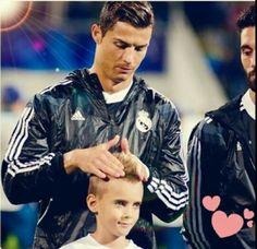 Cute *-* Cristiano Ronaldo