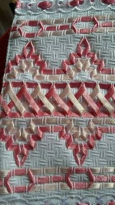 Wonderful Ribbon Embroidery Flowers by Hand Ideas. Enchanting Ribbon Embroidery Flowers by Hand Ideas. Swedish Embroidery, Hardanger Embroidery, Silk Ribbon Embroidery, Embroidery Stitches, Embroidery Patterns, Hand Embroidery, Machine Embroidery, Ribbon Art, Ribbon Crafts