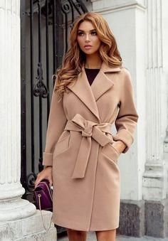 Palton modern de dama din stofa bej