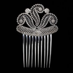 Comb 1809 - 1810 Henry Adcock maker, Birmingham England, silver cast and bright cut V museum Victorian Jewelry, Antique Jewelry, Vintage Jewelry, Vintage Accessories, Fashion Accessories, Hair Accessories, Vintage Hair Combs, Barrettes, Victoria And Albert Museum
