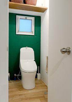 壁の色でここまで変わる!? リノベーションで生まれた個性あふれるトイレ空間をまとめました。