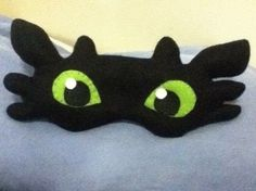 """I dream of dragons .  Free tutorial with pictures on how to make a sleeping mask in under 150 minutes by sewing with needle, felt, and felt. Inspired by dragon and night fury """"toothless"""". How To posted by choco s.  in the Sewing section Difficulty: Simple. Cost: Cheap. Steps: 6"""