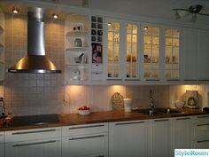 ikea kök,panel,kakel,romantiskt,lantligt,shabby,vitt