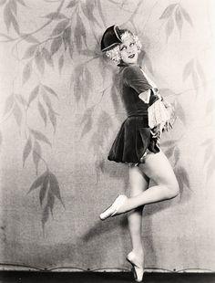 Arseniccupcakes, vintagegal: Great-aunt of actressDrew...