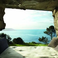 daybed with a view....