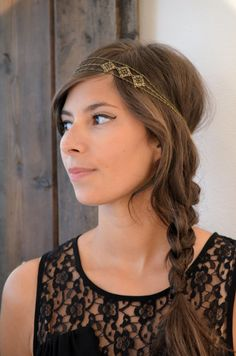 Headband with chain and metal pieces