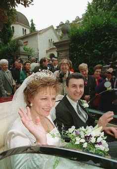 Princess Margareta of Romania, wearing the Essex tiara, loaned by the Cartier Collection when she married Radu Duda on 21 September 1996 Royal Tiaras, Royal Jewels, Crown Jewels, Romanian Royal Family, Thing 1, Save The Queen, Royal Weddings, Kaiser, Queen Victoria