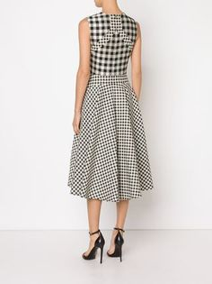 All day dresses. Never be stuck without something to wear with our collection of designer day dresses at Farfetch. Fabulous Dresses, Trendy Dresses, Day Dresses, Fashion Dresses, Frock Design, Ladies Dress Design, One Piece Dress, Fashion 2020, Striped Dress