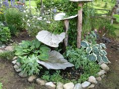 Concrete fountain leaf grouping