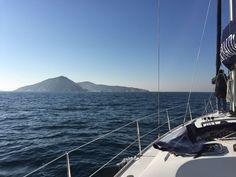 La embarcación Guinguin en la Ría de Pontevedra en Diciembre 2016. Estamos todo el año navegando.