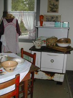 farmhousenotforgotten.blogspot.com