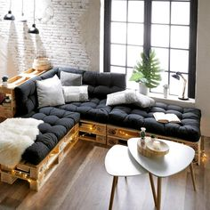 If you are looking for Diy Projects Pallet Sofa Design Ideas, You come to the right place. Here are the Diy Projects Pallet Sofa Design Ideas. Palette Sofa, Palette Furniture, Palette Diy, Sofa Furniture, Furniture Design, Furniture Ideas, Furniture Stores, Furniture Making, Luxury Furniture