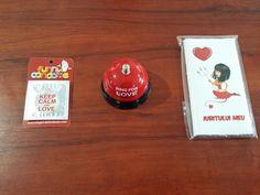 3 ingrediente pentru un weekend memorabil:  1. http://www.ideaplaza.ro/cadouri-haioase/prezervative-funny-haioase/prezervativ-haios-keep-calm.html  2. http://www.ideaplaza.ro/cadouri-haioase/clopotei-haiosi/clopotel-ring-for-love.html  3. http://www.ideaplaza.ro/cadouri-haioase/ciocolata-haioasa/iubitul-meu.html