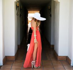 summer outfit. maxi dress and big hat to match and letter bag