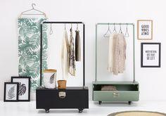 Jouw zorgvuldig samengestelde garderobe wil je natuurlijk zo netjes mogelijk houden. Met deze toffe kledingrekken houd je de boel georganiseerd! Schoenen, sjaals of andere accessoires berg je op in het handige opbergvak. Shop het rek voor 70,- in groen of zwart #kwantum #opbergrek #opbergen #opbergtip #kledingopberger #opruimen Girl Cribs, My Room, My Dream Home, Wardrobe Rack, Master Bedroom, Kids Room, Living Room, Interior Design, House