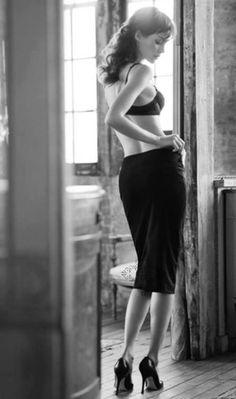 Ci sono donne che non hanno bisogno di essere ammirate per quello che indossano, ma per quello che custodiscono in fondo all'anima.  Luna Del Grande