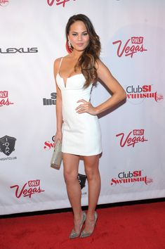 Chrissy Teigen Photo - Club SI Swimsuit Hosted By 1 OAK Nightclub At The Mirage, Las Vegas