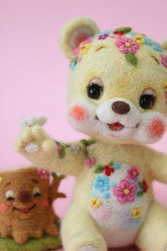 花くまちゃんと切り株さん   Needle felted teddy bear & Mr. stump