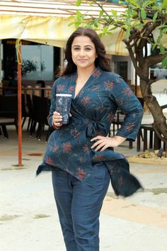 Indian Actress Vidya Balan at Mission Mangal Movie Promotions - Beautiful Indian Actress  IMAGES, GIF, ANIMATED GIF, WALLPAPER, STICKER FOR WHATSAPP & FACEBOOK