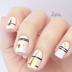 No matter how big the canvas is, art always remains art. If you prefer short nails then these designs will be totally appreciated by you.We have created a stunningly stylish collection of designs for those of you who like to keep their nails short and neat. Enjoy! #nails #nailart #naildesign #shortnails