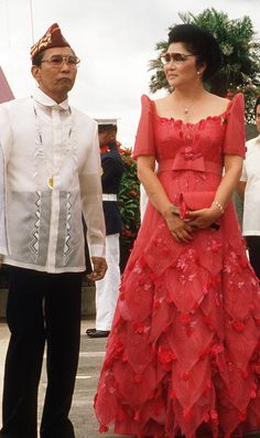 """beautiful definition of the Philippine Terno - the national costume of Filipino women, also known as """"butterfly sleeves"""" and popularized by former First Lady Imelda Marcos. The terno is a classic marriage of Philippine and Spanish culture. Modern Filipiniana Dress, Filipiniana Wedding, Wedding Gowns, Philippines Dress, Philippines Culture, Philippines Food, Ferdinand, Barong Tagalog, Filipino Wedding"""