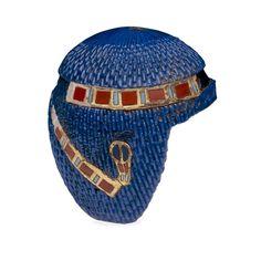 Modelo de Peluca egipcia de la antiguedad.  Este es otro raro accesorio que tanto distinguia a la civilización egipcia.  Las reinas acostumbraban a utilizar hermosas pelucas para resaltar sus encantos y como simbolo de autoridad.