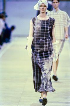 Comme des Garçons Spring 1992 Ready-to-Wear Fashion Show - Anneliese Seubert