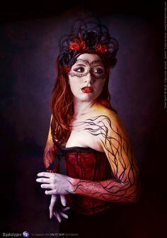 https://flic.kr/p/CnNGMt | Apokalypse | facebook : www.facebook.com/freespiritcrew website : www.freespiritcrew.com #headpiece #red #hair #dark #apokalypse #corset #sombre #noir #rouge #hairstyle