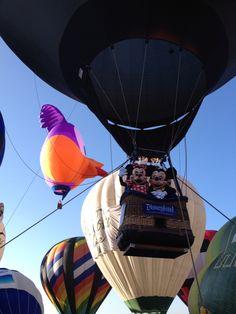 Mickey y Minnie abordo del globo más feliz de la tierra en el Festival Internacional del Globo en #León #ViveFIG #ladodisney #disneyside #disneyland