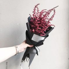 "1,599 Likes, 8 Comments - 플로리스트 이주연 florist Lee Ju Yeon (@vanessflower) on Instagram: "". Lesson Order Katalk ID vaness52 E-mail vanessflower@naver.com . #vanessflower #vaness #flower…"""
