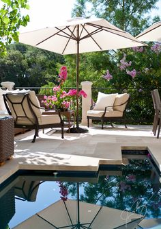 Lovely poolside scene w/ RH seating...