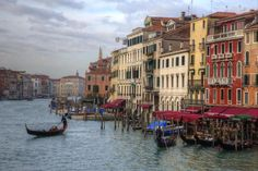 How to Travel Between Rome and Venice