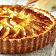 A Lakeland recipe for Apple Sponge Tart, happy cooking!