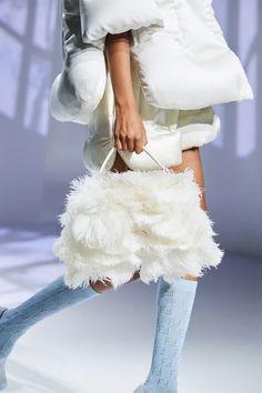 White Fashion, Leather Fashion, Love Fashion, Luxury Fashion, Fashion Show, Fashion Outfits, Vogue Paris, Edgy Shoes, Fashion Details
