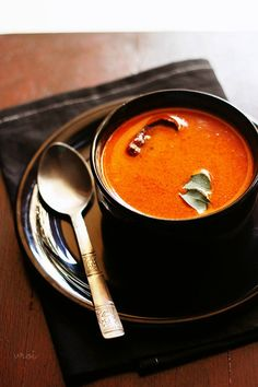 tomato curry recipe with step by step photos. spiced and mildly tangy tomato curry made with ground tomatoes, coconut and spices. Veg Curry, Tomato Curry, Vegetarian Curry, Vegetable Curry, Curry Soup, Vegetarian Recipes, Healthy Recipes, Paneer Curry Recipes, Goan Recipes