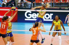 Brasil passa bem pela Holanda e, sem perder sets, vai à final do Grand Prix #globoesporte