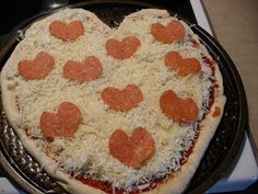 Heart Pizza - 10 Valentine's Day Dinner Ideas - #ValentinesDay